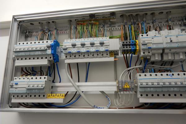 elektrotableau-nb-efh-innen5C2C13CD-BDDD-2A0C-34F8-39C11325C5B6.png